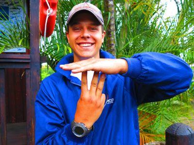 Scuba Diving Hand Signals stop - scubaco diving & travel