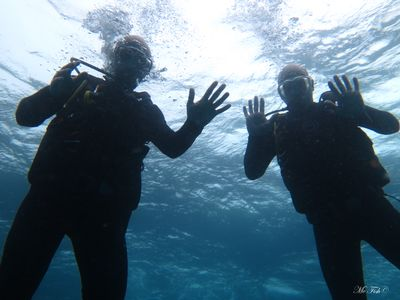 Scuba Diving Hand Signals lead and follow - scubaco diving & travel