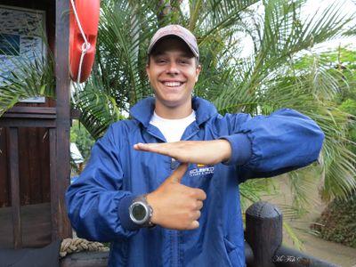 Scuba Diving Hand Signals level off - scubaco diving & travel